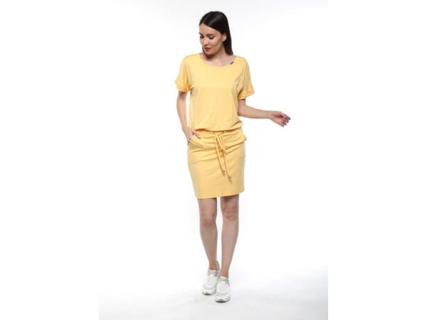 Laza zsebes ruha, derekán megkötővel - sárga