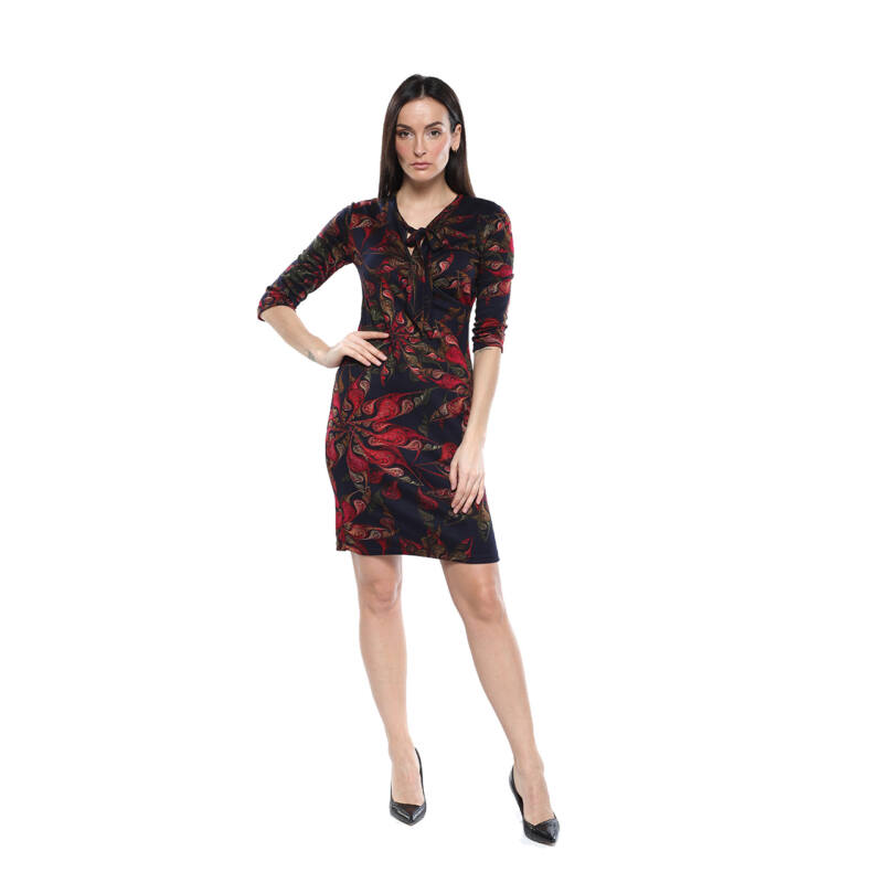 Fekete alapon, virgámintás ruha, masni díszítéssel
