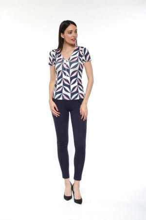 Cippes dekoltázsú kék/rózsaszín/púder mintás póló